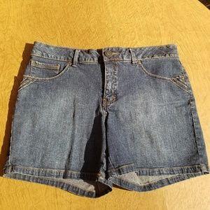 St. John's Bay Size 8 Jean Shorts